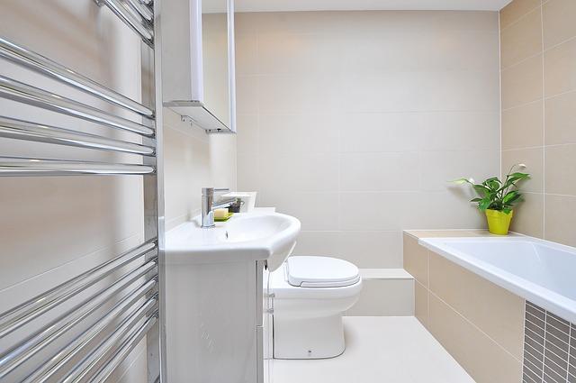 Jakie kafelki do małej łazienki?